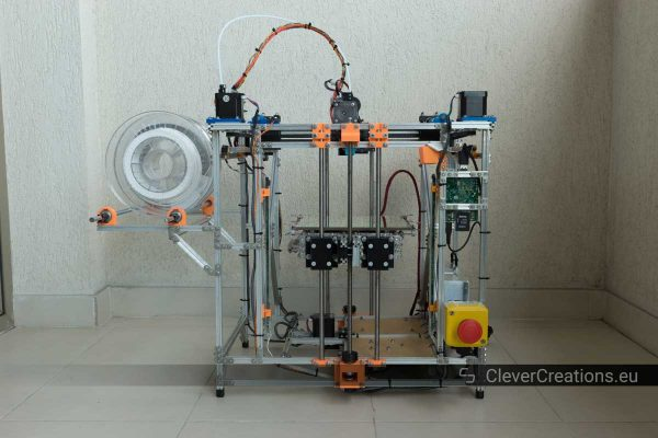 Front view of a DIY 3D printer made out of Makerbeams and 3D printed components.