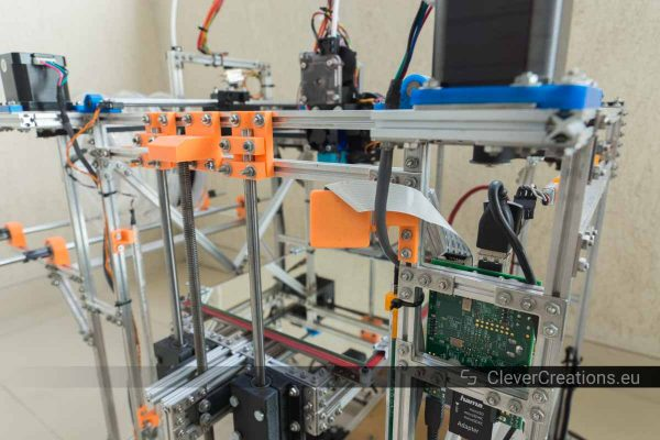 Back view of the camera on a 3D printer made out of makerbeams.