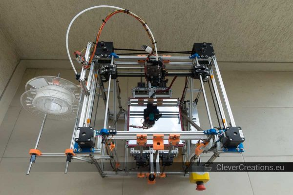 Top view of a 3D printer made out of makerbeams.