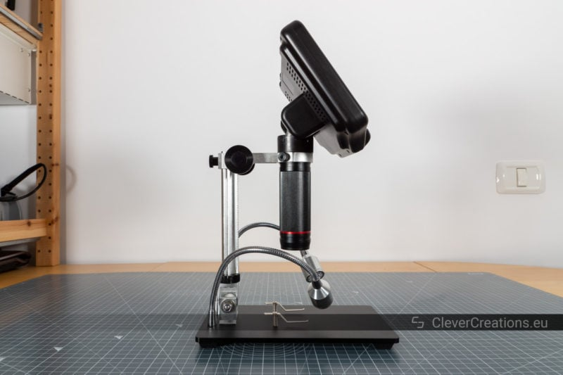 The adjustable arm of the AD407 microscope not tilted at all.