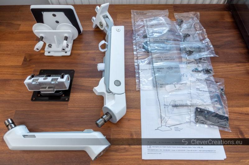 Unboxing of the Ergotron HX monitor arm