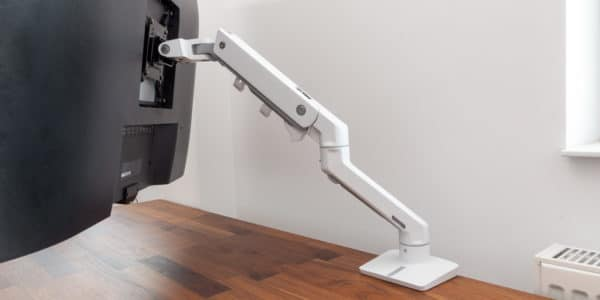 Ergotron HX monitor arm review.