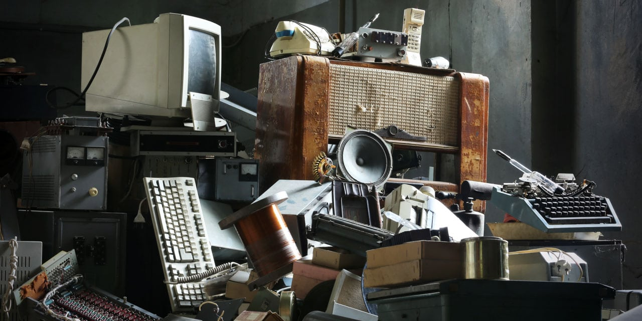 How to salvage electronic components from old devices