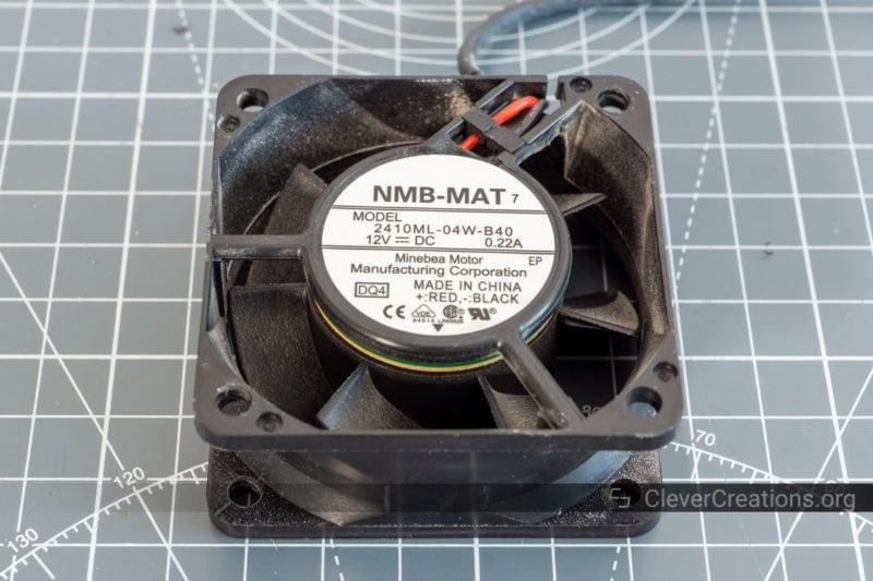 Close-up of the label on a noisy 60x25mm 2410ML-04W-B40 fan.